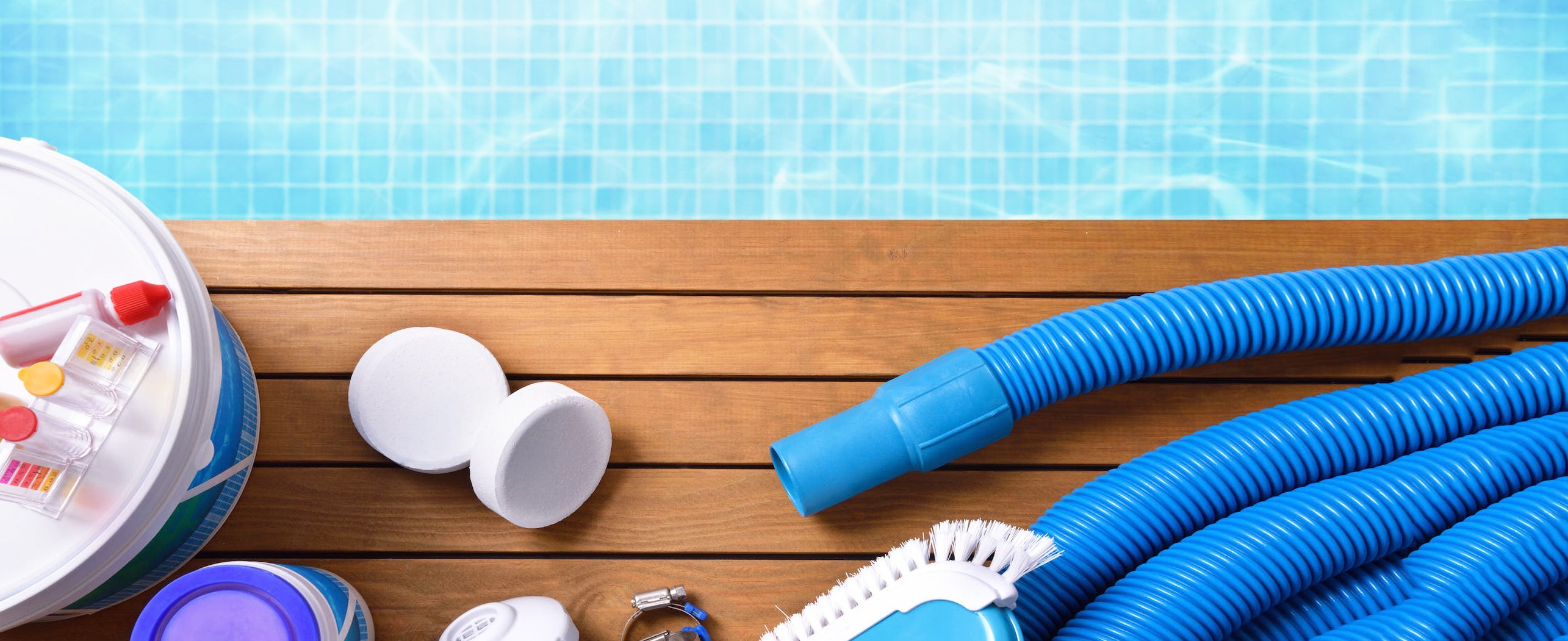Химия и аксессуары для обслуживания бассейнов